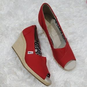 Toms red slip on wedge shoes size 9w like new